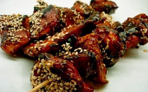 Σουβλάκια με κοτόπουλο σατάϊ
