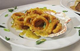 Μαριναρισμένα καλαμαράκια με ντρέσινγκ λεμόνι