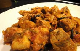 Κολοκάσι με κρέας χοιρινό